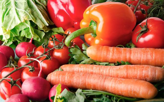 Oranžna in rdeča zelenjava